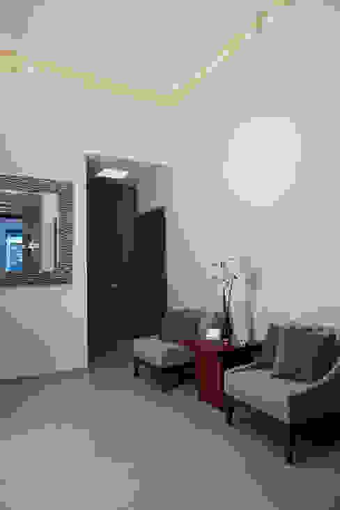 hall Salones minimalistas de arketipo-taller de arquitectura Minimalista