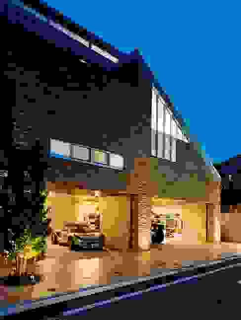 外観・ガレージ モダンな庭 の 株式会社 t2・アーキテクトデザイン 一級建築士事務所 モダン コンクリート