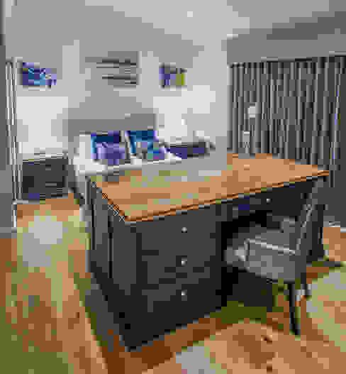 Bespoke Handpainted bedroom, with luxury ensuite. Sculleries of Stockbridge Classic style bedroom