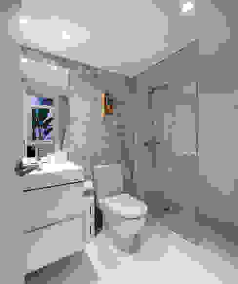 Ths Mad Loft Baños de estilo moderno de The Sibarist Property & Homes Moderno