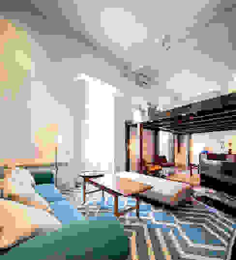 Ths Mad Loft Salones de estilo moderno de The Sibarist Property & Homes Moderno