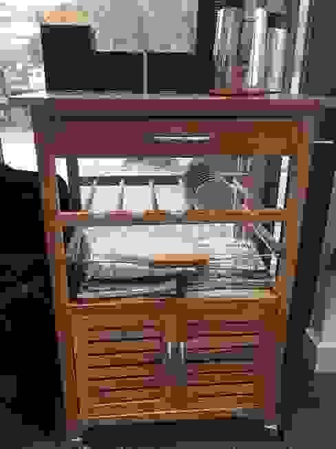 Cafe Storage Ruang Makan Modern Oleh Building With Frames Modern Kayu Wood effect