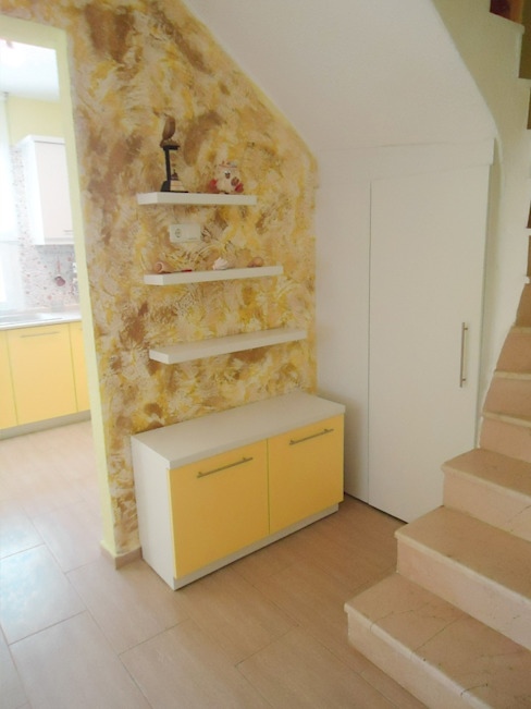 Pasillos, vestíbulos y escaleras de estilo moderno de BAGO MİMARLIK Moderno