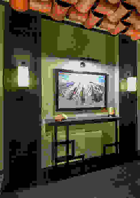 Kasara Townhouse Modern corridor, hallway & stairs by Design Intervention Modern