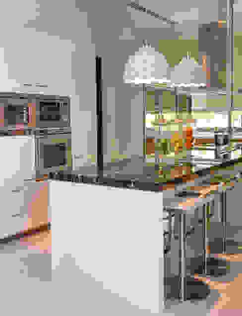 Sentosa Beach House Scandinavian style kitchen by Design Intervention Scandinavian