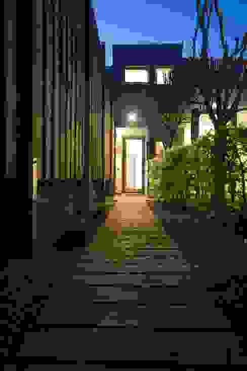 CRAPAURUE Maisons modernes par fhw architectes sprl Moderne