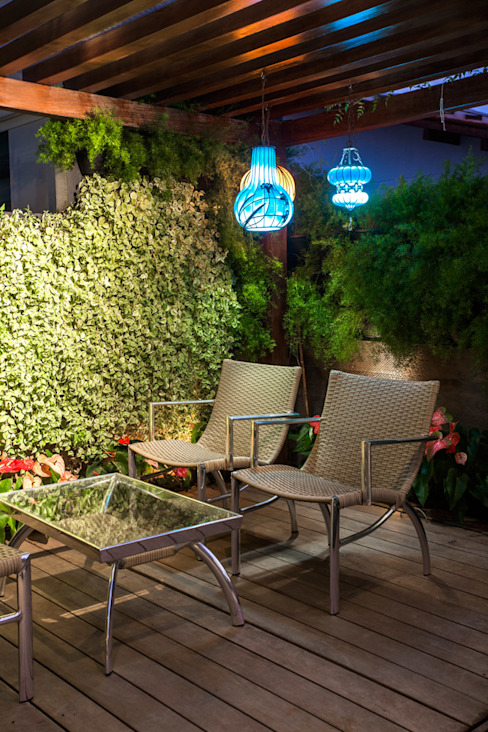 Projeto Heloisa Titan Arquitetura Modern balcony, veranda & terrace