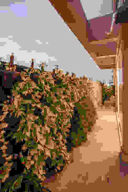 Projeto Varandas, alpendres e terraços modernos por Heloisa Titan Arquitetura Moderno