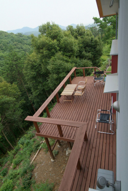 Asian style balcony, veranda & terrace by AMI ENVIRONMENT DESIGN/アミ環境デザイン Asian