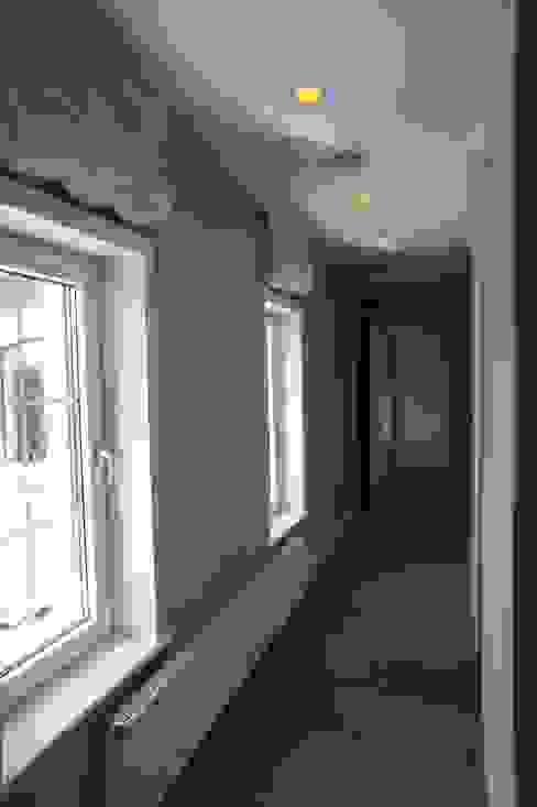 ห้องโถงทางเดินและบันไดสมัยใหม่ โดย RETA Architecture-Interior-Industrial Design โมเดิร์น