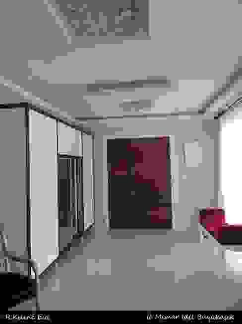 idiliçmimarlık Corredores, halls e escadas modernos