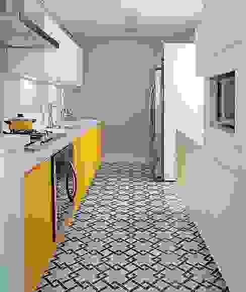 Cocinas de estilo  de Ana Carpentieri Arquitetura, Moderno