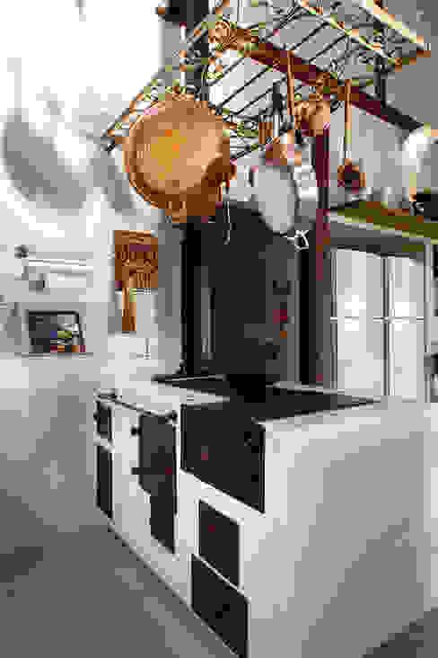 Cocinas de estilo rústico de Silvia Cabrino Arquitetura e Interiores Rústico