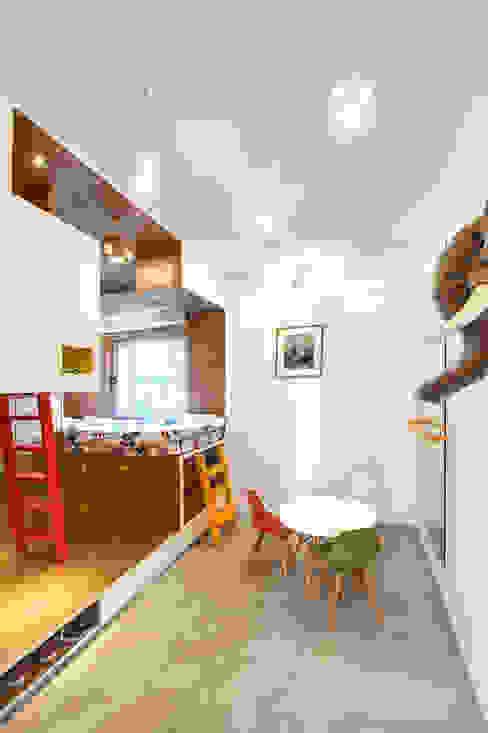 by toledano + architects Minimalist Wood Wood effect