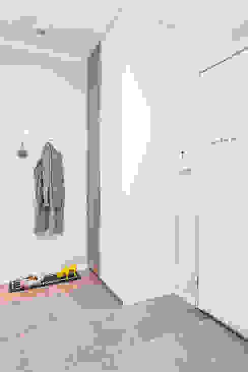 Corridor & hallway by Michał Młynarczyk Fotograf Wnętrz,
