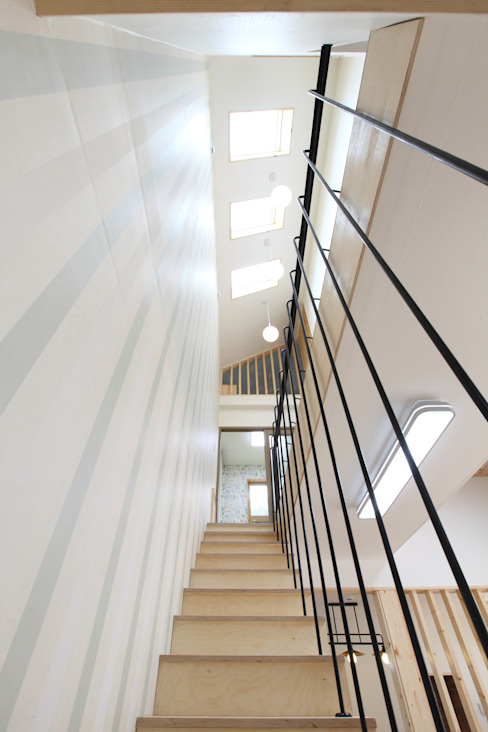 Modern Corridor, Hallway and Staircase by 주택설계전문 디자인그룹 홈스타일토토 Modern