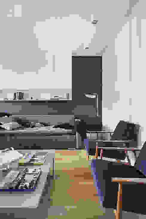 Ruang Keluarga oleh Hubert Dziedzic Architektura Wnętrz, Klasik