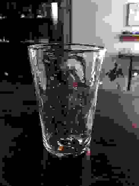 泡のグラス: 硝子工房「さんぽ」が手掛けたミニマリストです。,ミニマル