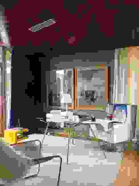 Estudios y despachos de estilo moderno de SA&V - SAARANHA&VASCONCELOS Moderno