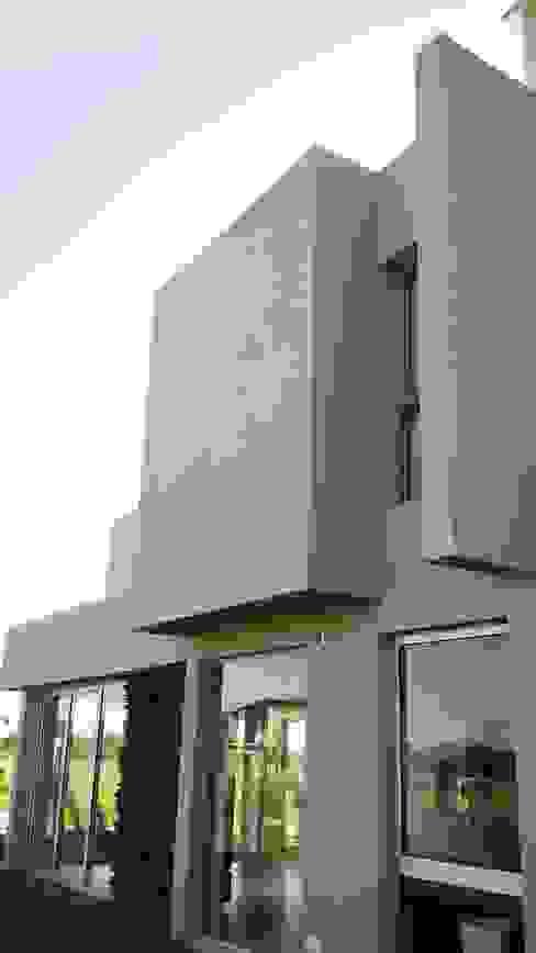 Juego de volumes y planos Casas modernas: Ideas, imágenes y decoración de homify Moderno