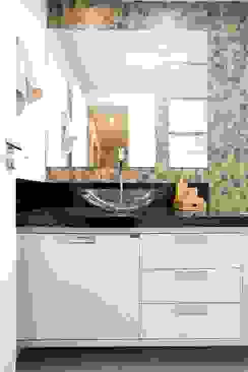 Andressa Saavedra Projetos e Detalhes의  욕실, 클래식