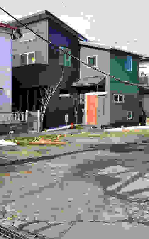 外観: 戸田晃建築設計事務所が手掛けた家です。,モダン 鉄/鋼