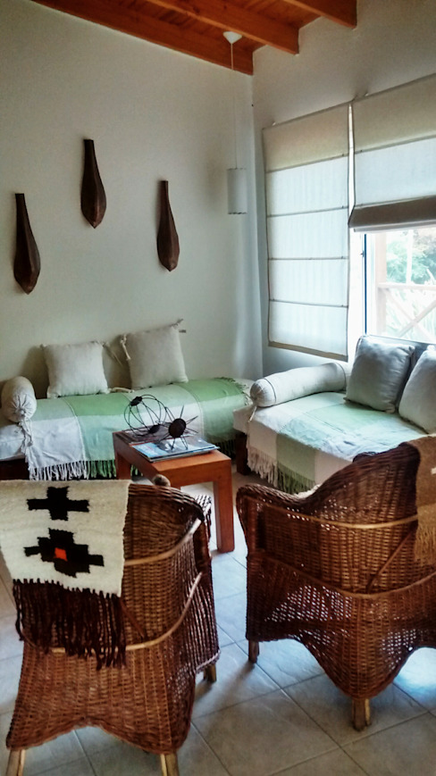 Salas de estilo rústico de Araceli Fernandez Ibarguren Rústico