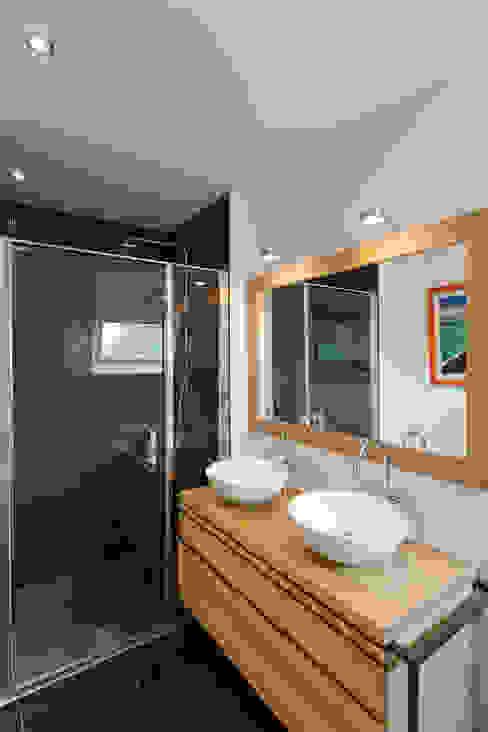 Moderne Badezimmer von 19 DEGRES Modern