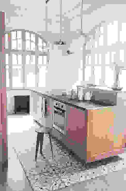 Kitchen by esperanto INTERIORS, Minimalist Wood Wood effect