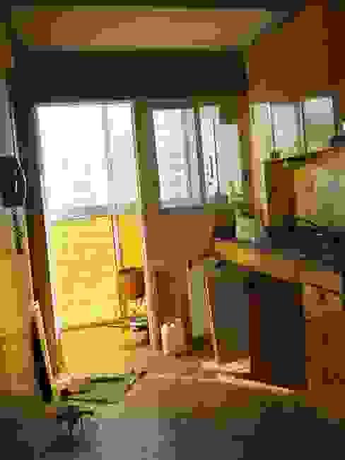 Reforma Departamento en la Ciudad de Buenos Aires Cocinas de estilo moderno de AyC Arquitectura Moderno