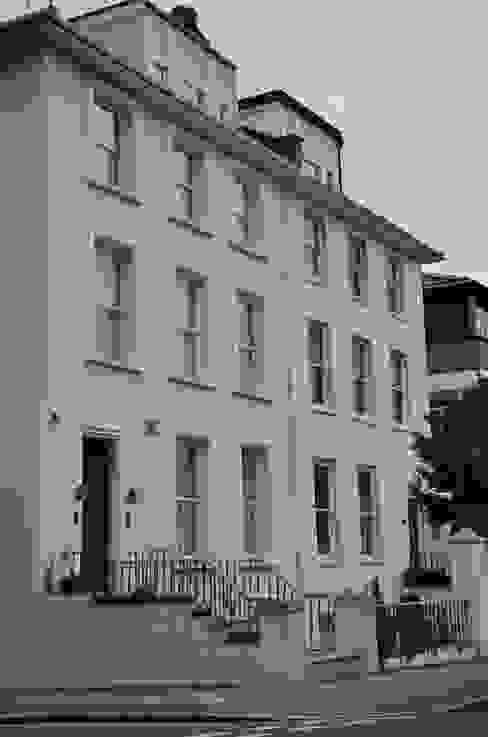 London Regents Park Modern houses by Thompson McCabe Modern
