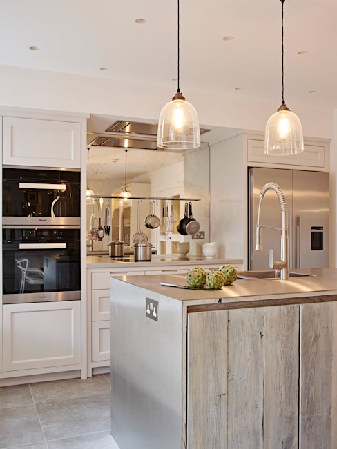 Island View Dapur Gaya Industrial Oleh Holloways of Ludlow Bespoke Kitchens & Cabinetry Industrial Parket Multicolored