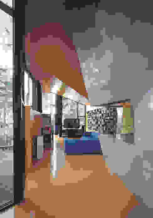 The Sibarist Casa Levene Nowoczesny salon od The Sibarist Property & Homes Nowoczesny