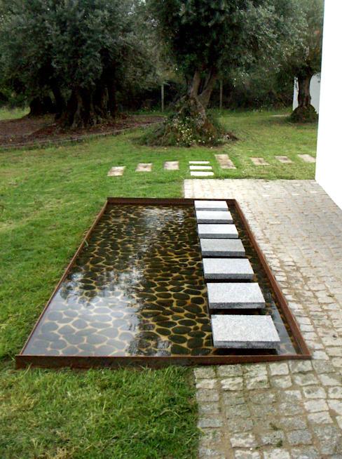 Jardines minimalistas de Atelier Jardins do Sul Minimalista