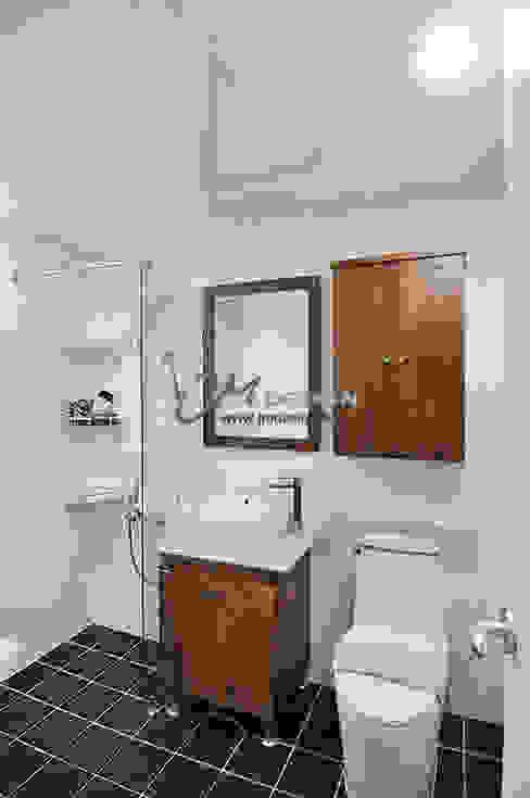 Bathroom by JMdesign , Modern