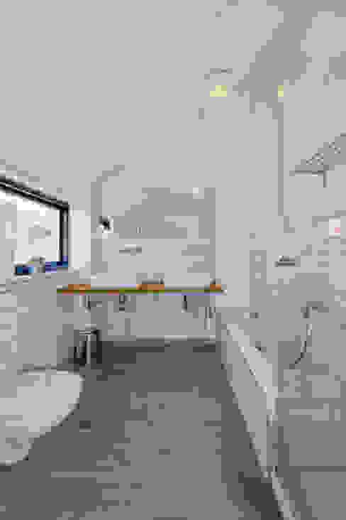Scandinavische badkamers van gondesen architekt Scandinavisch