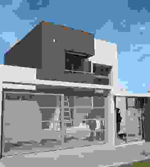 Casas de estilo minimalista de Brarda Roda Arquitectos Minimalista