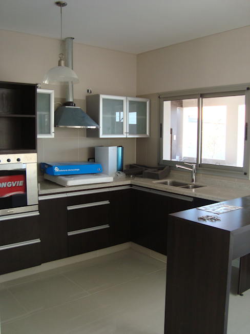 Casa PK Cocinas minimalistas de Brarda Roda Arquitectos Minimalista