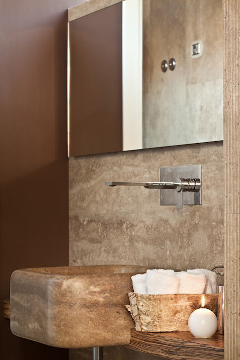 Travertini & Pietre S.r.l. a socio unico Classic style bathroom Stone Beige