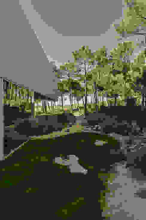 Minimalistyczne domy od guedes cruz arquitectos Minimalistyczny