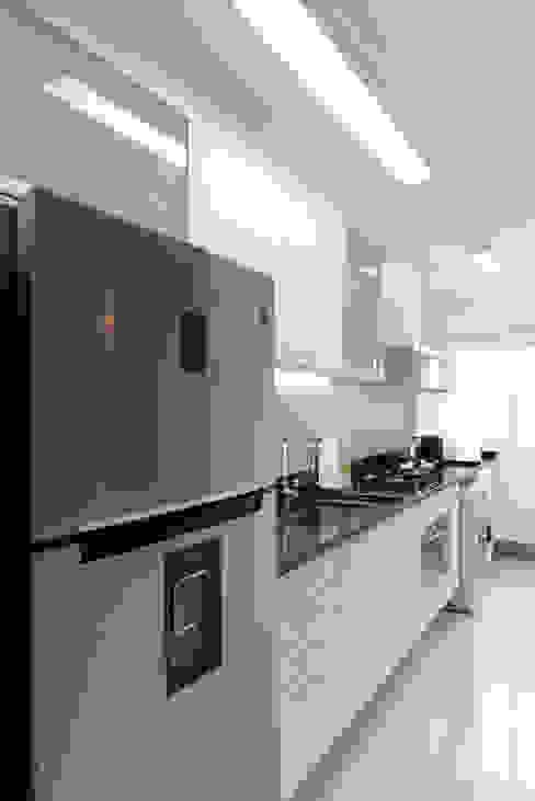 Projeto Bairro do Juventus - Mooca Cozinhas modernas por RAFAEL SARDINHA ARQUITETURA E INTERIORES Moderno