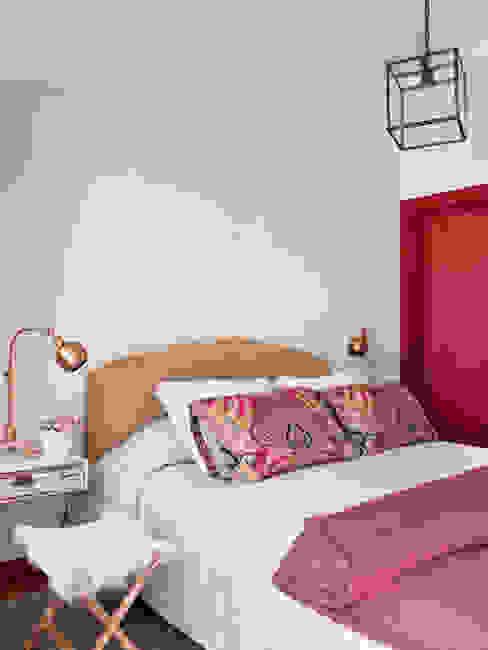SA&V - SAARANHA&VASCONCELOS Rustic style bedroom