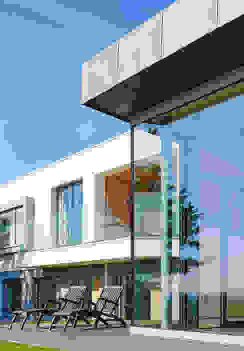 Sandhills Glazing Exterior Nowoczesne okna i drzwi od Barc Architects Nowoczesny Szkło