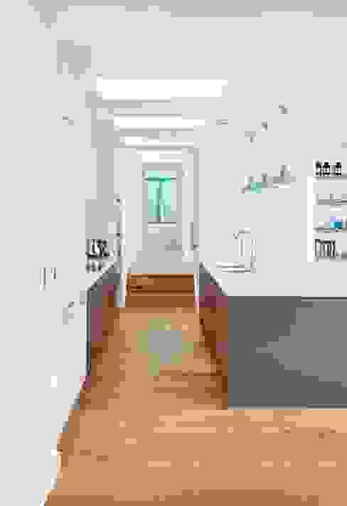 Sandhills Kitchen Nowoczesna kuchnia od Barc Architects Nowoczesny