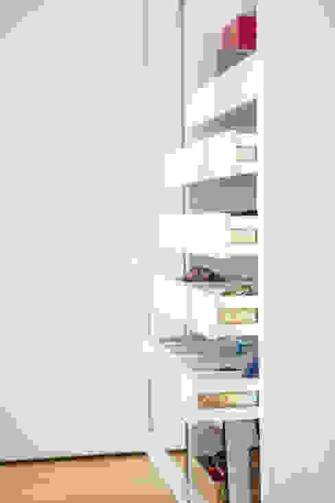 O quarto da Madalena por Cássia Lignéa Moderno