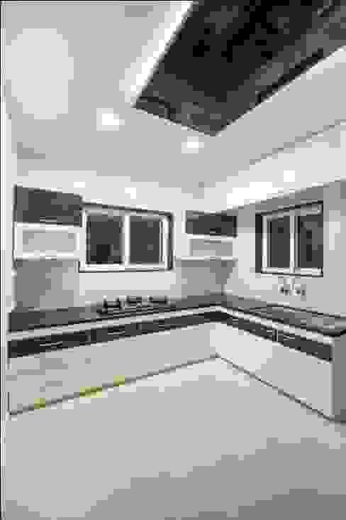 Cozinhas minimalistas por ARK Architects & Interior Designers Minimalista