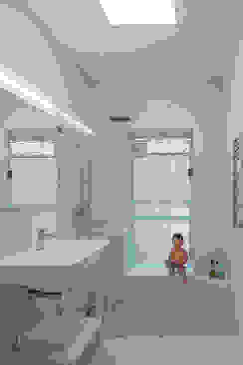 472 Greenwich st, NYC Baños de estilo moderno de ImagenSubliminal Moderno