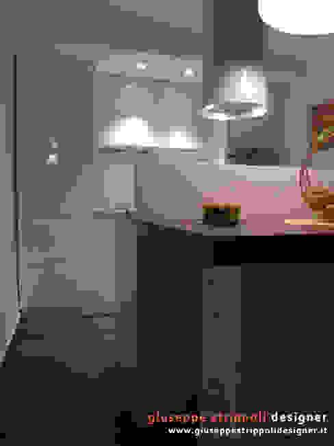 Piccola Cucina ad isola Cucina moderna di Giuseppe Strippoli Designer Moderno Legno Effetto legno