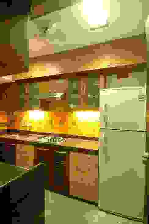 Hiranis Modern kitchen by Studio Vibes Modern