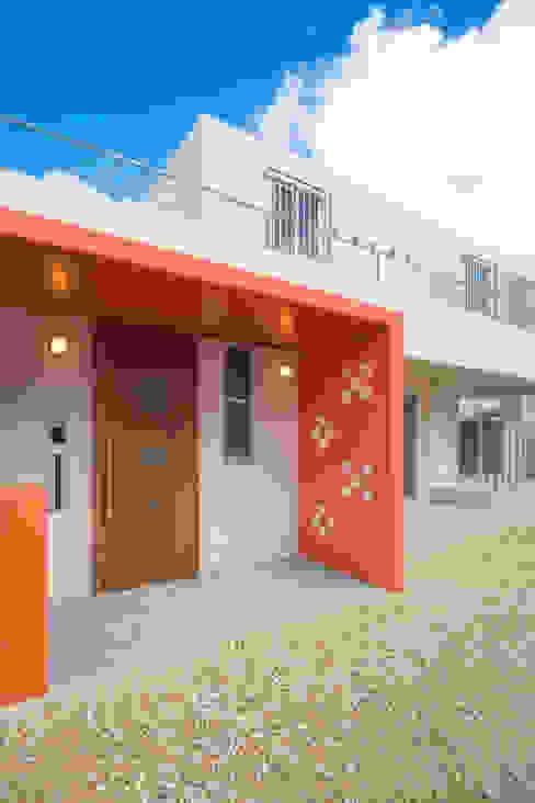 Casas de estilo  por プラソ建築設計事務所